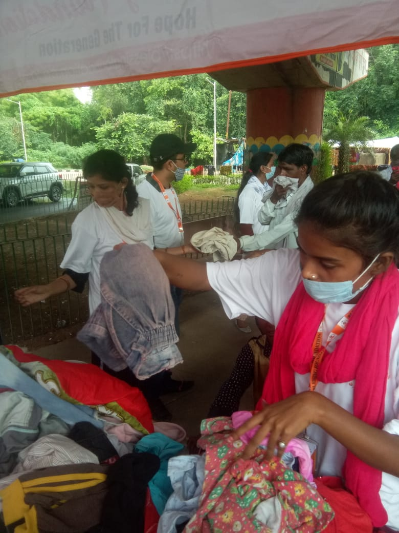 Clothes Donation Programme by Blessing Foundation in Agra (15)
