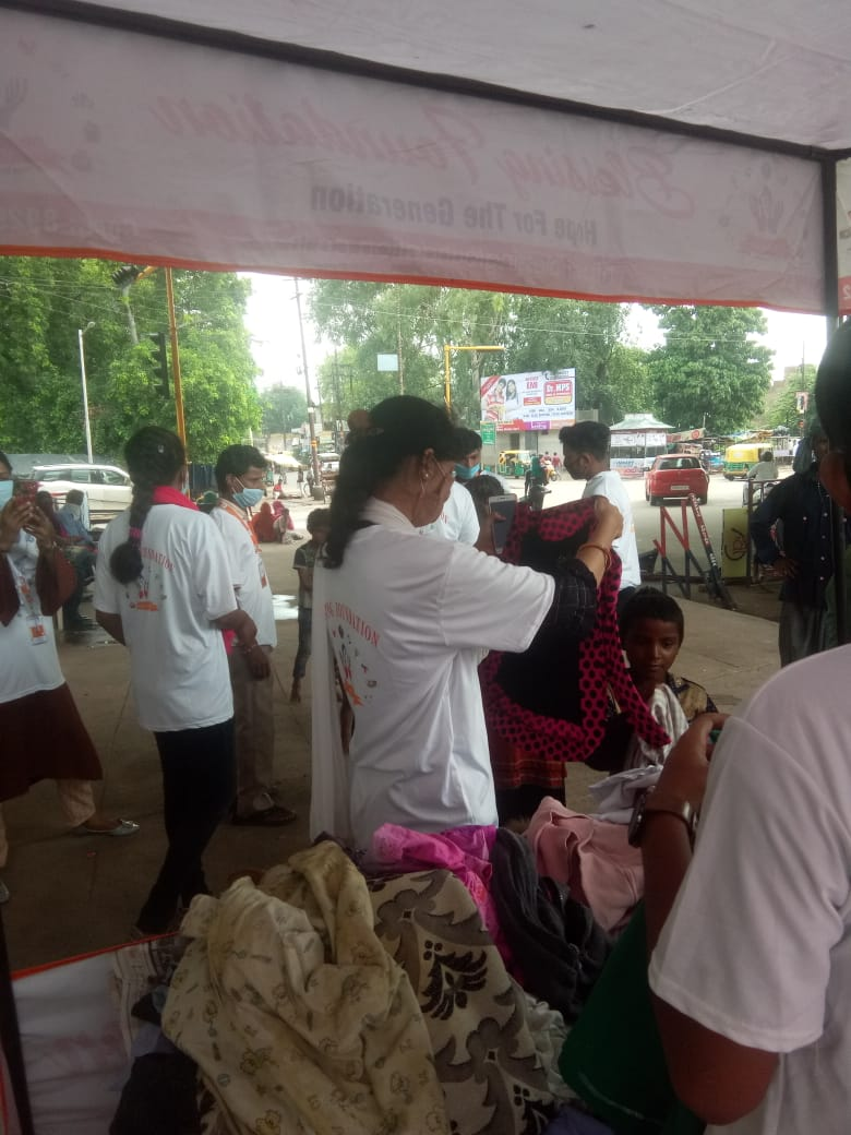 Clothes Donation Programme by Blessing Foundation in Agra (6)