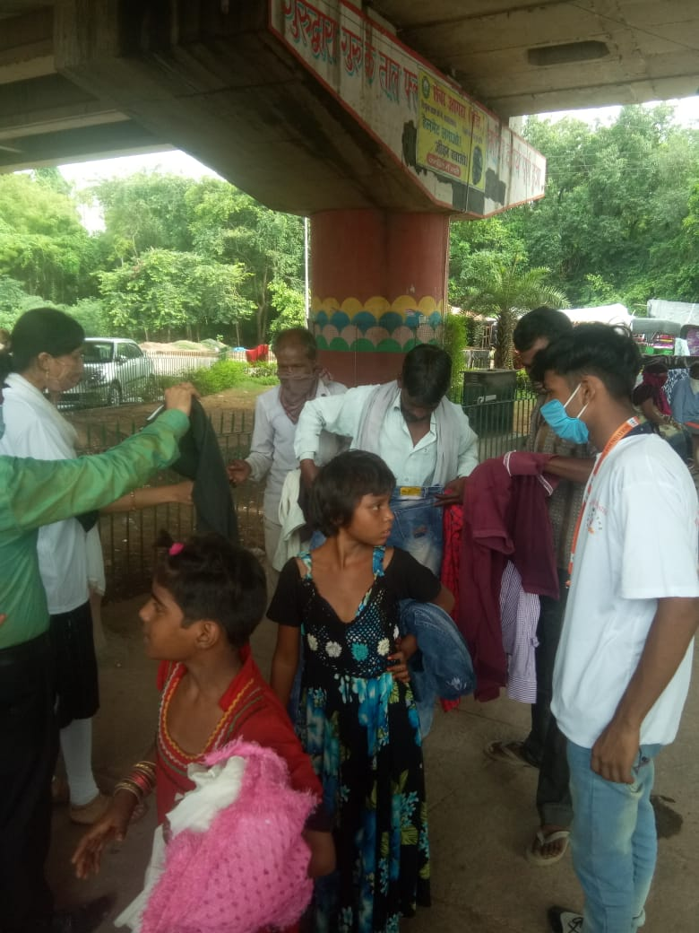 Clothes Donation Programme by Blessing Foundation in Agra (8)